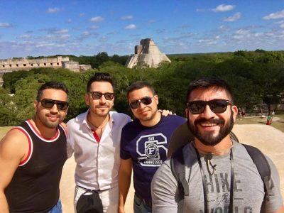 Chicos Uxmal Gay