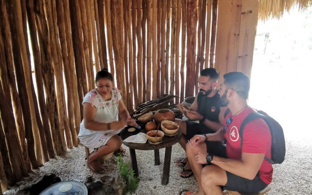 casita maya gay couple